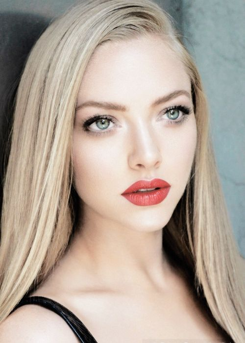 Amanda Seyfried Pictures Photos And Images For Facebook