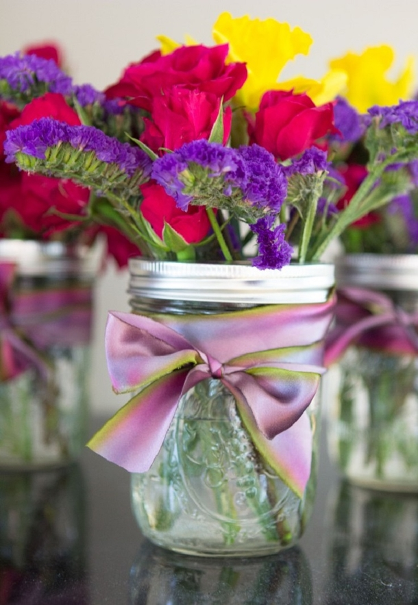 10 Mason Jar Floral Arrangement Ideas