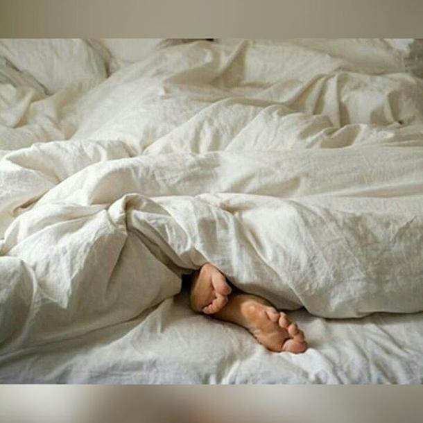 фото мужчины под одеялом этом году