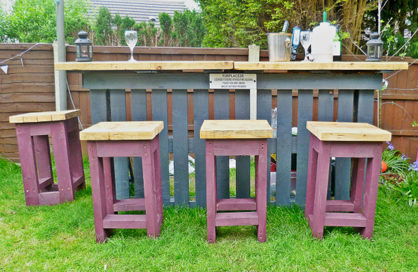 How To Make A Garden Bar Out Of Pallets